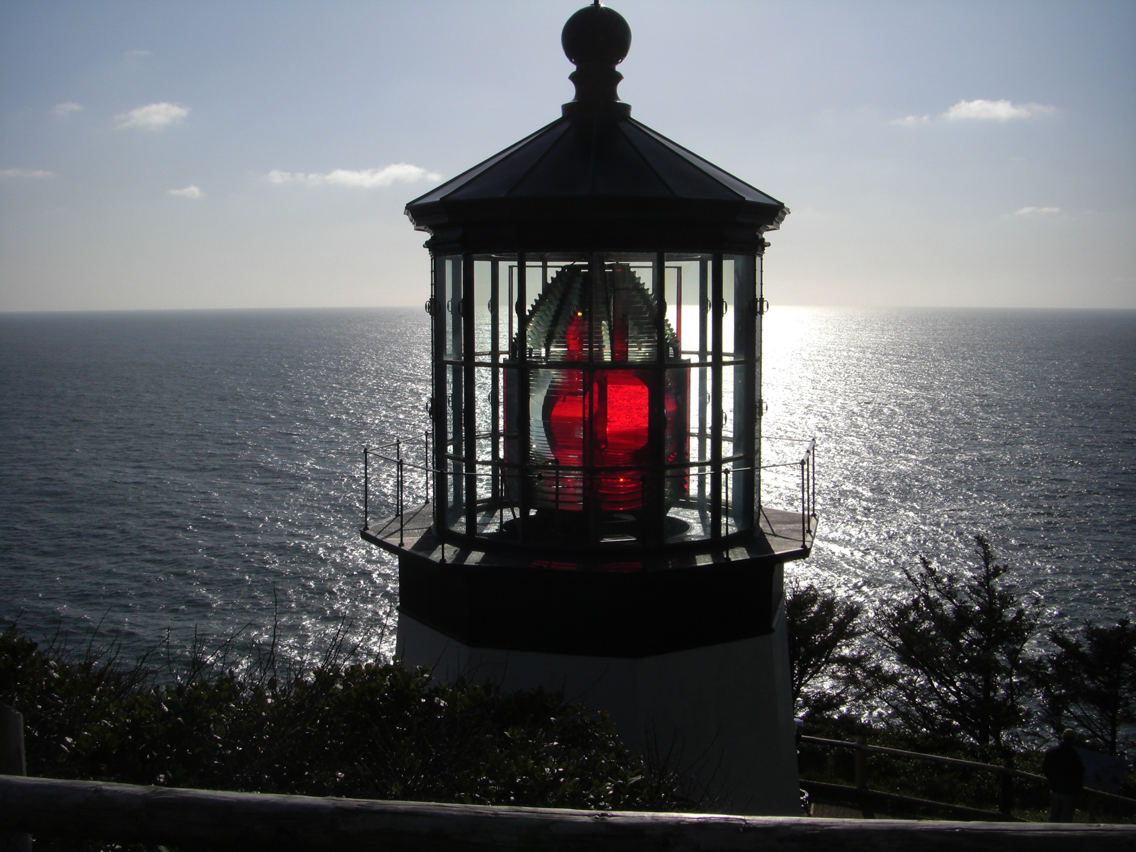The Lighthouse Light. & Oregon Coast Repeater Group - Lighthouse Day azcodes.com